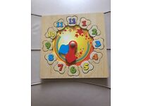 Wooden clock sorting puzzle toy
