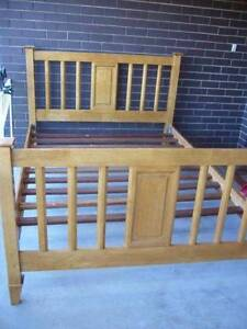 Beautiful Queen size Timber Bed Frame Bundoora Banyule Area Preview