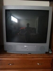 SANYO TV VERY GOOD CONDITION WITH REMOTE