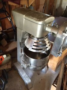 30 qt mixer  and cheese grater attachment