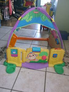 PLAYSKOOL MUSICAL PLAY TENT  WITH FENCE