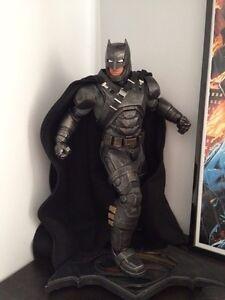 Admired Batman Statue , DC collecfibles Windsor Region Ontario image 1