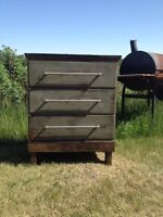 *A Little Bit Country* Aged~Distressed 3 Drawer Dresser