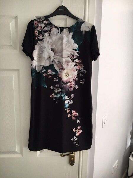 Lipsy dress size 10in Liversedge, West YorkshireGumtree - Black lipsy dress in size 10 In brand new condition Any questions please ask