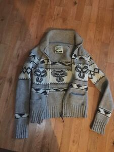 TNA sea to sky sweater size small - x small