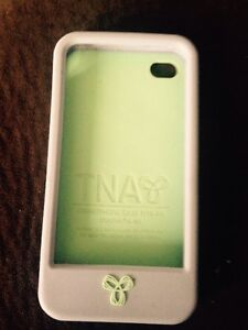 TNA iPhone 4/4s case purple and sea foam green London Ontario image 2