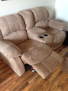 RECLINING  LOVE SEAT! Great condition! London Ontario image 5