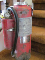 FULLY SERVICED AND LOADED ANSUL DRY CHEMICAL FIRE EXTINGUISHER