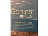 Tre sonics facial cleanser