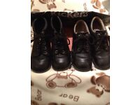 KICKERS BLACK SIZE 6 BOOTS & KICKERS BLACK SIZE 5 SHOES & KICKERS BAG