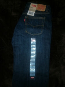 LEVI'S REGULAR FIT STAIGHT LEG JEANS