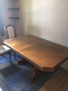Solid wood kitchen table and 6 chairs, mint condition $650   Sarnia Sarnia Area image 1