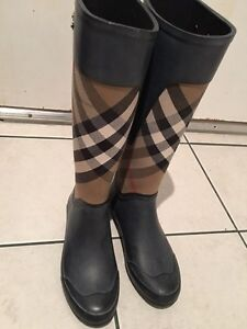 Authentic Burberry Clemence Rain Boot - Size 6
