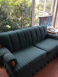 Queen Pull Out Couch-FREE DELIVERY