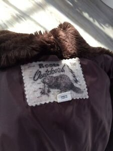 Women's ROOTS down filled parka size L-great condition London Ontario image 6