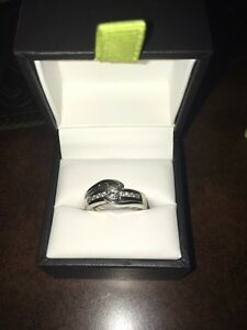 Beautiful engagement ring  Strathcona County Edmonton Area image 1