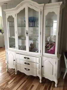 French Provincial china cabinet/hutch Kawartha Lakes Peterborough Area image 1