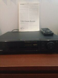 VIDEO CASSETTE RECORDER SONY