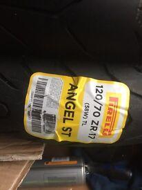Pirelli Angel ST 120/70/ZR17 tyre