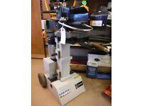 New Lumag HOS8-230 hydraulic log splitter - 8T, 240V, 3KW, splitting stroke 500mm.