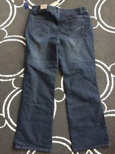 Ladies contrast (Reitmans) size 15 jeans  Kitchener / Waterloo Kitchener Area image 3