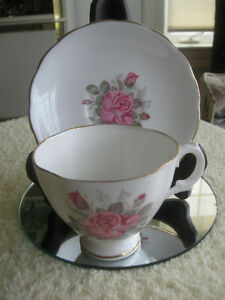 BEAUTIFUL ENGLISH-MADE VINTAGE FINE BONE CHINA CUP & SAUCER