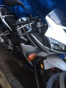 Honda cbr125rw PRICED TO SELL