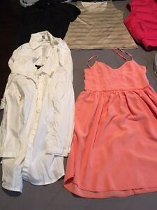 Lot of ladies brand name clothing (x-small to small)