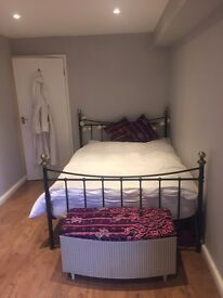Double room for short term let in Hove
