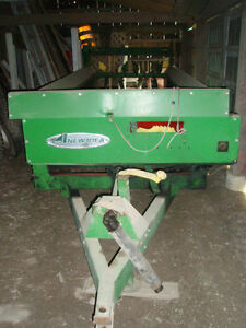 New Idea Manure Spreader Peterborough Peterborough Area image 3