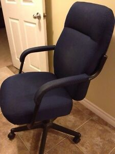 OFFICE CHAIR LKE NEW!! Windsor Region Ontario image 1