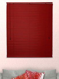 Red aluminium Venetian blind