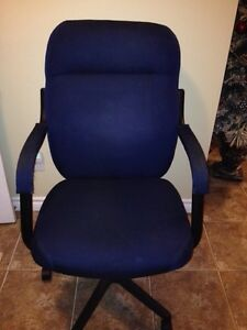 OFFICE CHAIR LKE NEW!! Windsor Region Ontario image 2