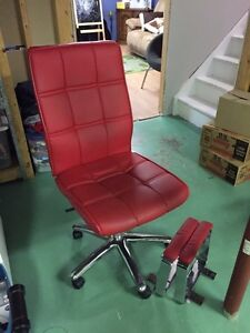 Structube red leather chair