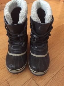Sorel Girl's Size 2 Winter Boots