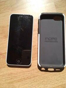 Iphone 5c 32g blanc 200$ negociable