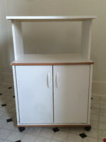 Kitchen Cabinet for sale - Like new