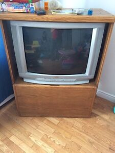 Cabinet/TV stand with TV