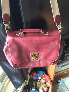 Must Sell Today! Gorgeous Liz Claiborne Bag New Condition