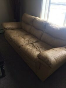 Full size leather couch Strathcona County Edmonton Area image 1