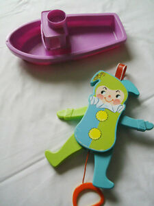 FISHER PRICE  Jumping Jack Crib Toy and Boat  (TRURO)
