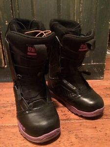 Women's snowboard boots. Size 6 but fit small