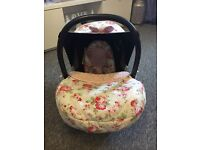 Maxi closet car seat with Beautiful hood ,foot muff ,head inset and strap pads