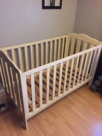 Mammas&pappas shabby chic cot / toddler bed