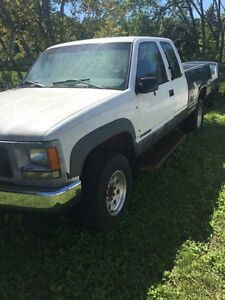 1998 GMC SIERRA PICK-UP 4X4 CLUB CAB