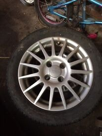 Set of 4 ford alloys