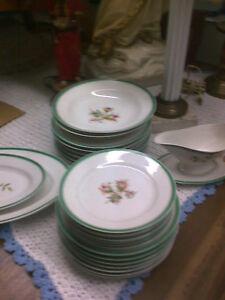 Spécial 75.00$ Set de Vaisselle de Montréal Antique