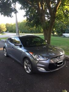 2013 Hyundai Veloster Tech Edition, LOW KM'S