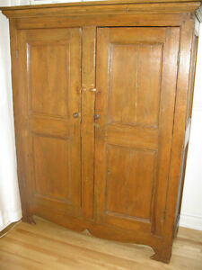 Armoire antique en pin for Kijiji rimouski meuble