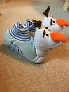 Disney Frozen Olaf Slippers size 11/12